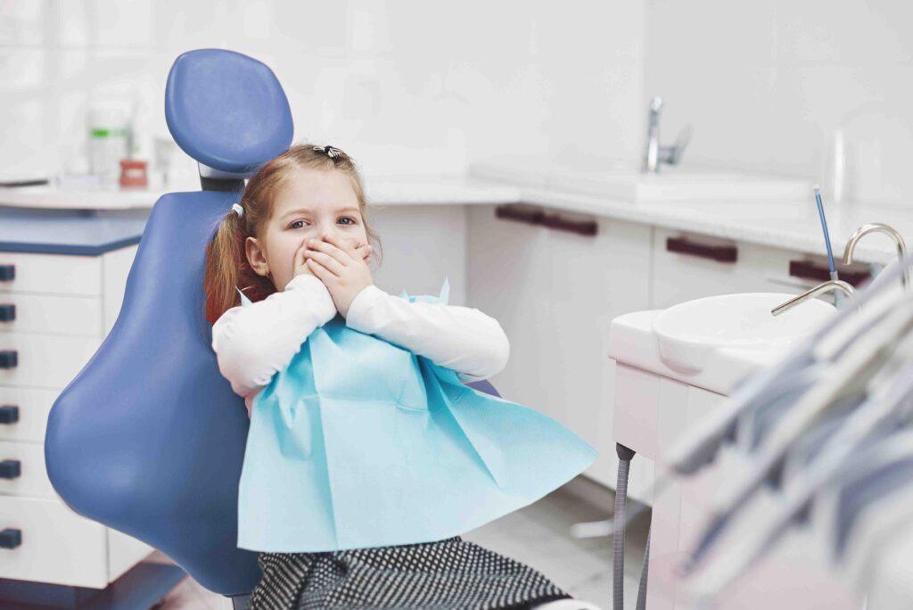 niño pequeño dentista